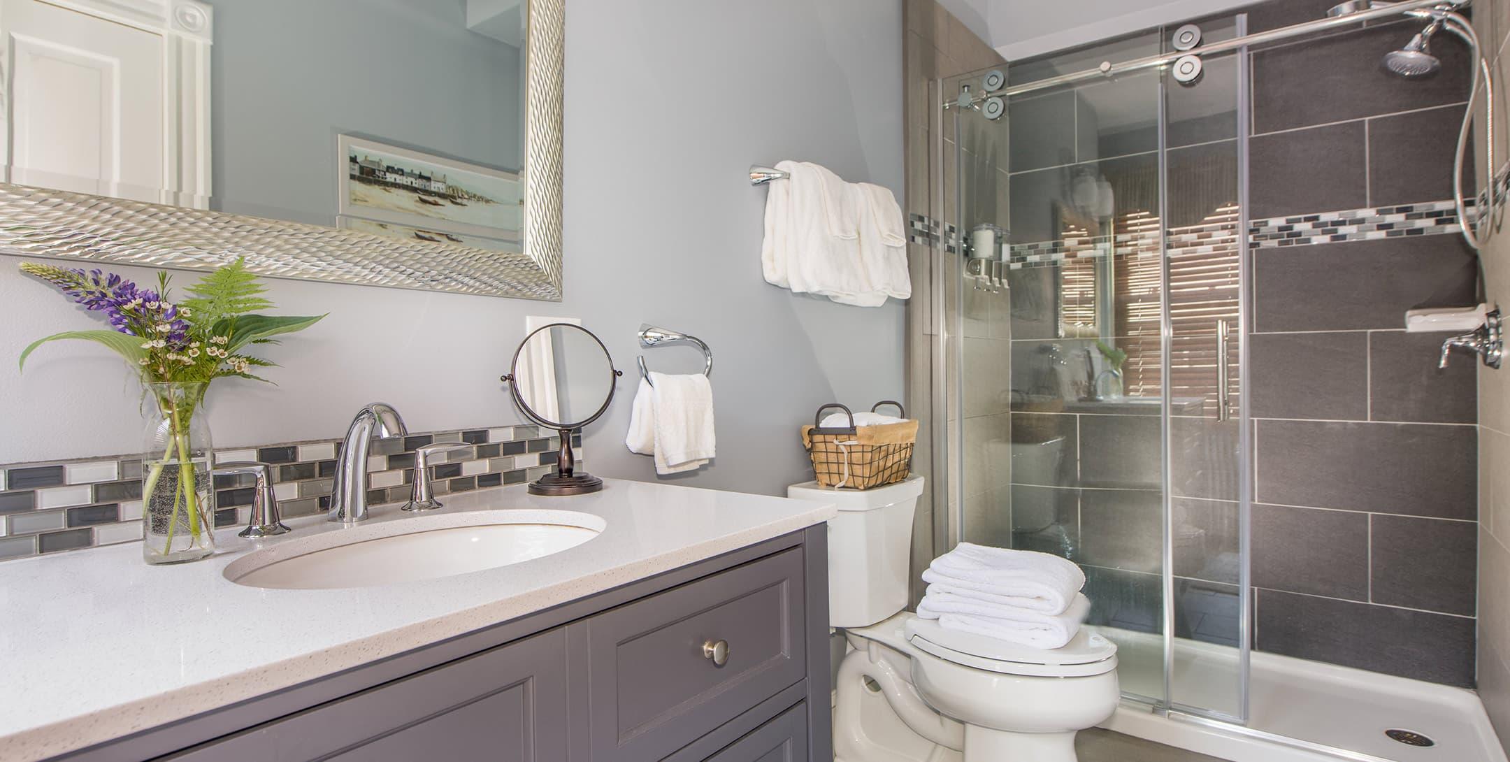 The Abbott Room bathroom
