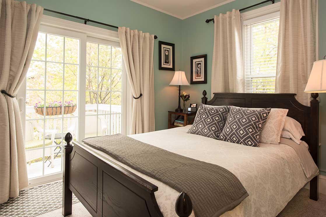 Baxter Room bed