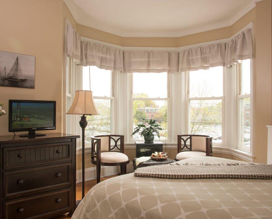 The Longfellow Room seating area