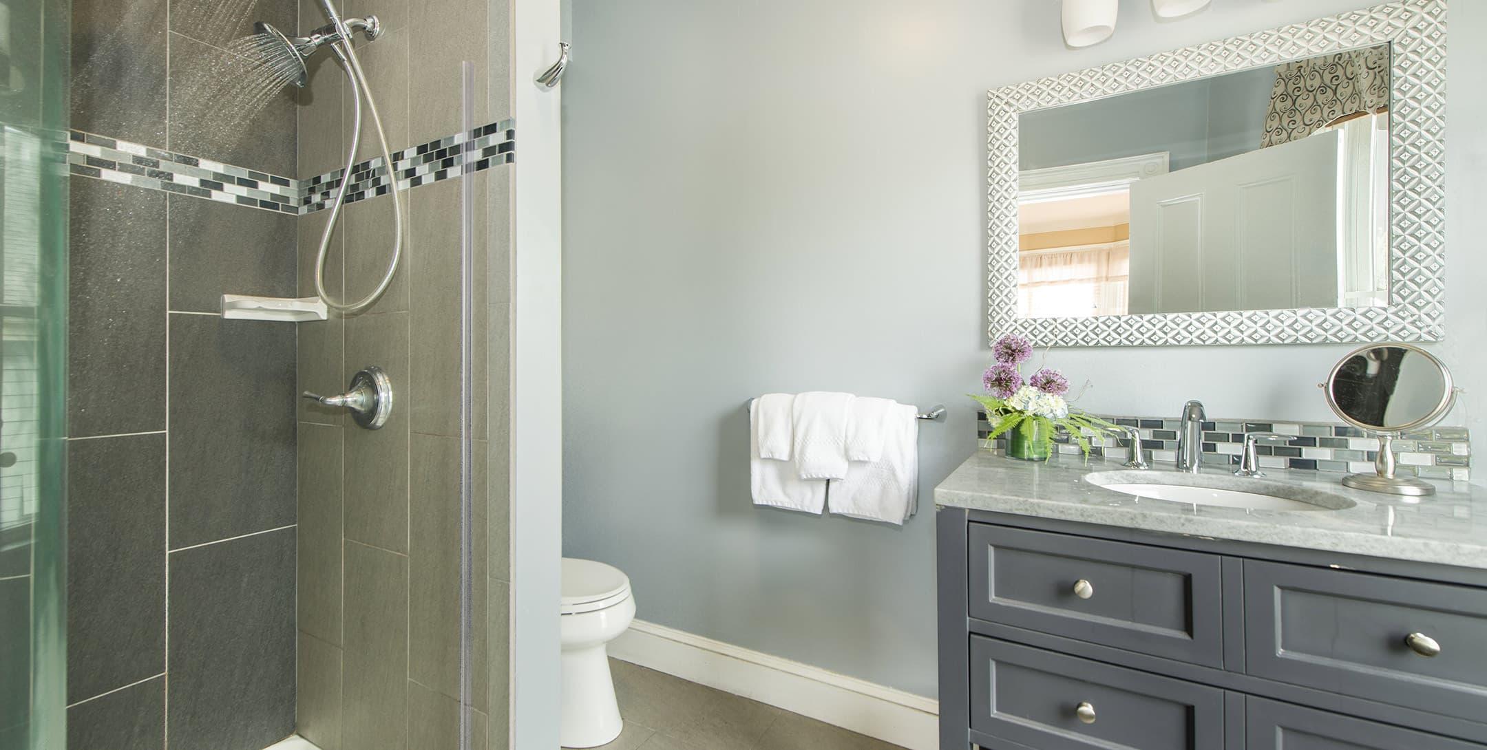 Bathroom in The Longfellow Room