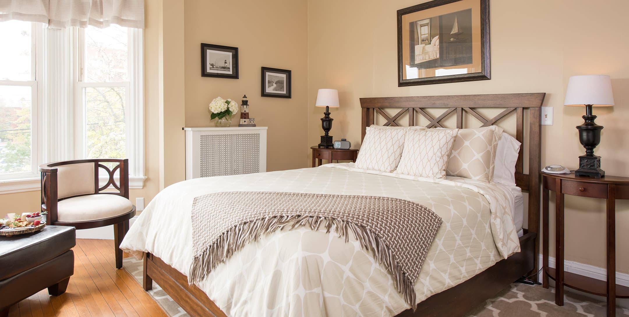 The Longfellow Room bed